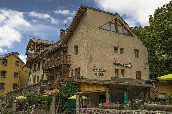 Aiguilles, Francia: La P'tite Auberge