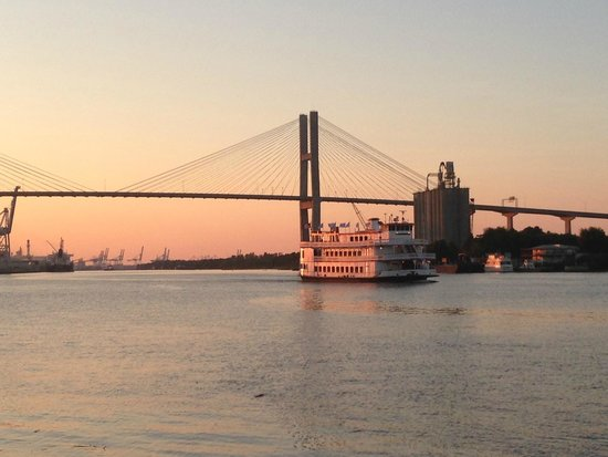 Old Town Trolley Tours of Savannah : Bridge