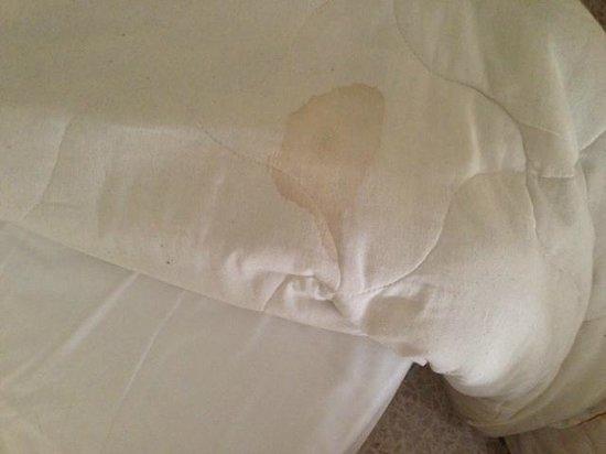 Blue Sea Santa Maria: dirty bedding