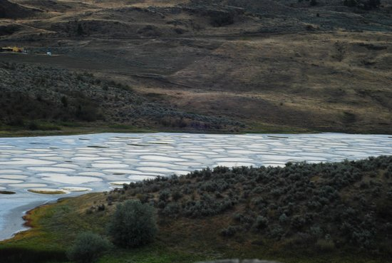 Osoyoos, Canada : spotted lake outlook