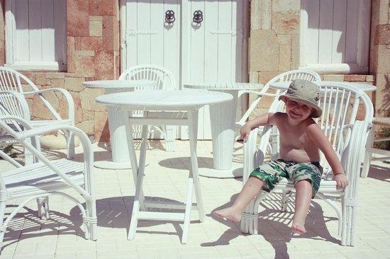 Parthenis Beach: Pool area