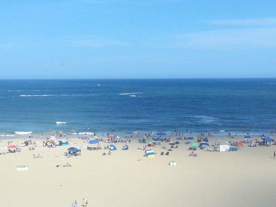 Barclay Towers Resort Hotel : Beach