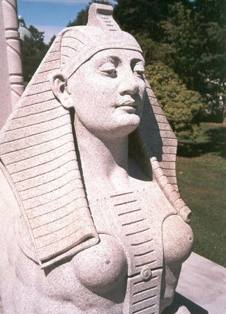Woodlawn Cemetery : A dead department store owner wanted an Egyptian  afterlife.