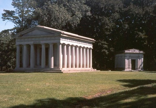 Woodlawn Cemetery : Just a few temples of the dead rich...who relly know how to live, in style, even after they've d