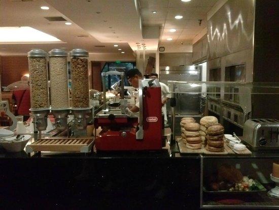 Hyatt Regency Monterey Hotel and Spa on Del Monte Golf Course: colazione