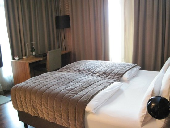 COSMO Hotel Berlin Mitte : camera deluxe
