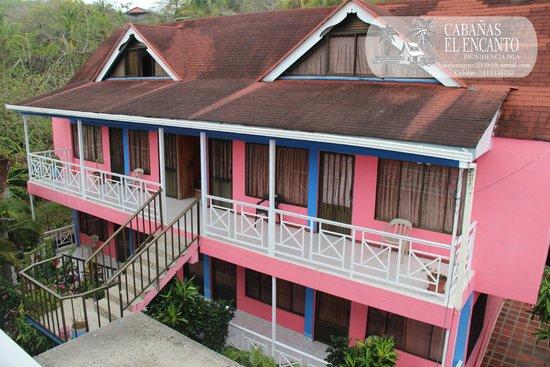 Cabanas El Encanto : Vista Edificio Trasero