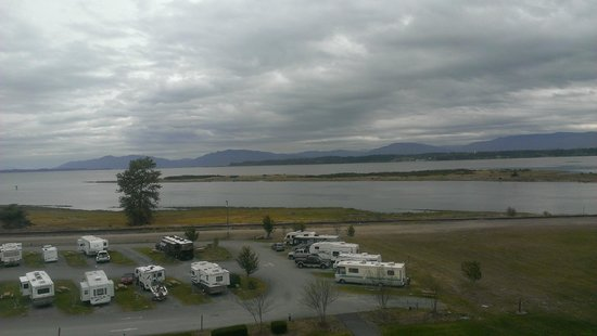 Swinomish Casino & Lodge: View from second floor room window
