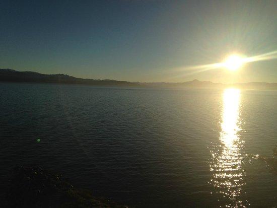Cacique Inacayal Lake & Spa Hotel : Vista linda da janela do quarto