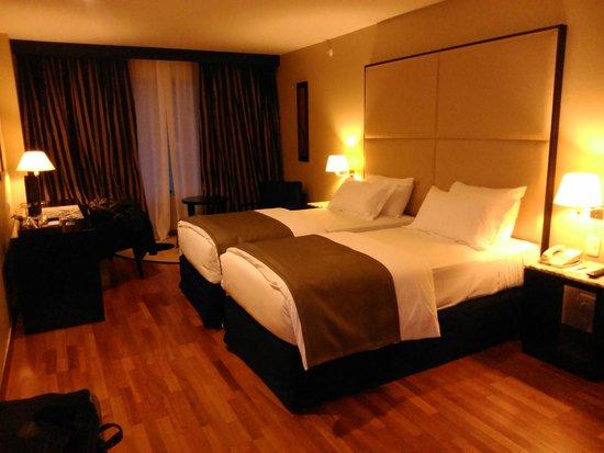 Hotel NH Buenos Aires Latino : HABITACIÓN 701