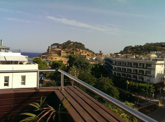 Hotel Florida : View from pool deck, top-floor.