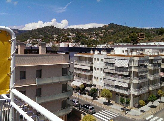 Hotel Florida : View from top-floor room looking toward hills