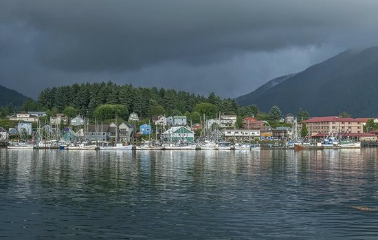 Sitka International Hostel: View of Sitka from the bridge