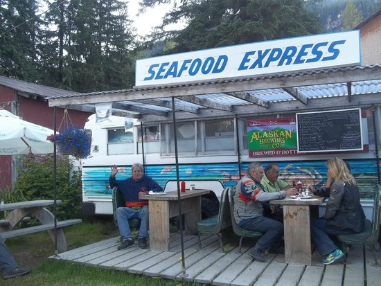 Salmon Glacier: Eating at Seafood Express in Hyder where Robin Williams ate
