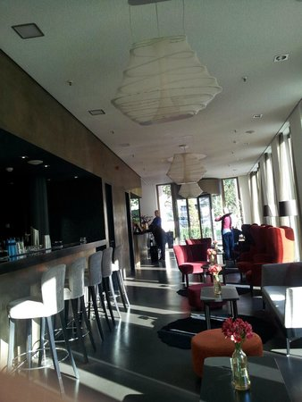 bar picture of cosmo hotel berlin mitte berlin tripadvisor. Black Bedroom Furniture Sets. Home Design Ideas