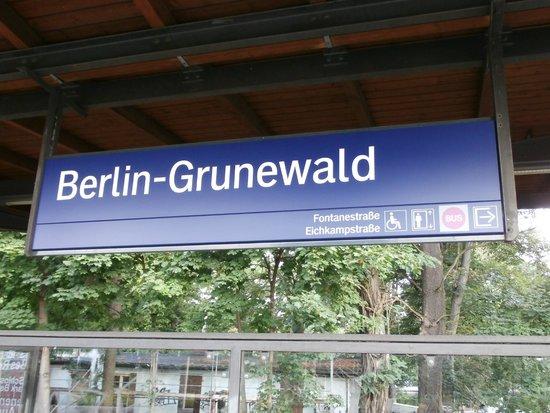Gleis 17, Grunewald: Train staion Grunewald