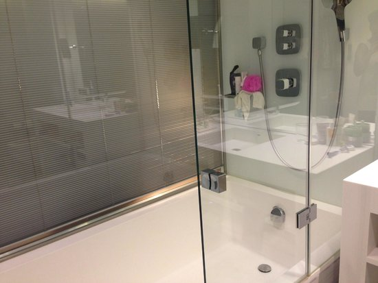 EPIC SANA Lisboa Hotel : Bathroom