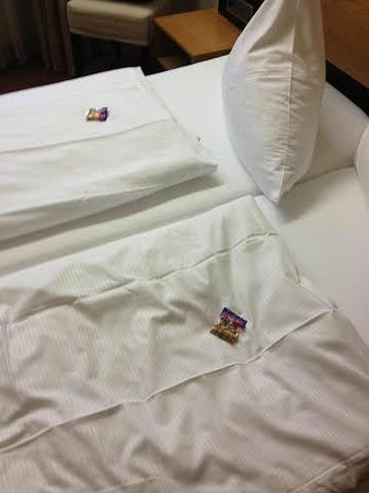 Jedermann Hotel: It's the little touches...Gummy Bears on your pillow!