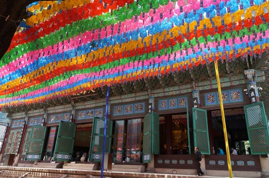 Jogyesa Temple: Some of the beautiful lanterns at adorn the temple