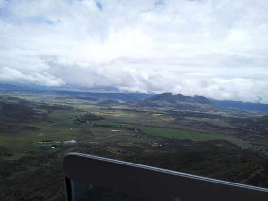 Zephyr Helicopter Company - Private Tours: The Valley