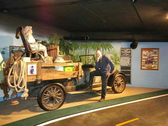 Hollywood Star Cars Museum : My husband is a hillbilly lol.