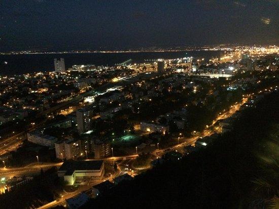 Shawatina : Beautiful view of Haifa.