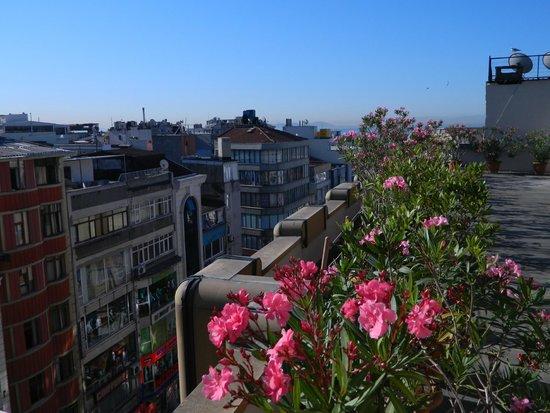 Martinenz Hotel: вид на город с площадки ресторана на 7 этаже