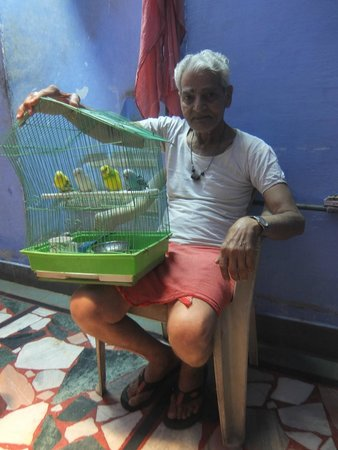 Shivam Tourist Guest House : Grandfather with the birds