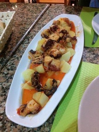 Casa Chupa-Ovos: pulpo con patatas
