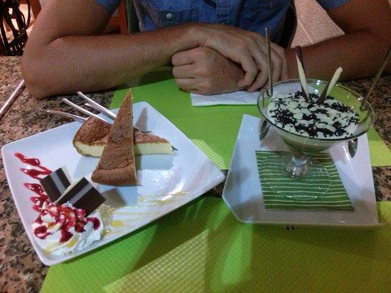 Casa Chupa-Ovos: tarta de queso y tarta 3 chocolates