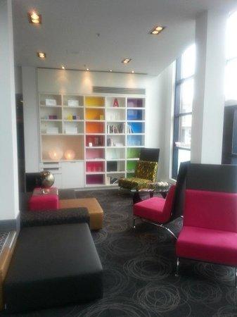 Hotel ALT Quebec: Lobby