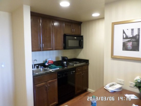 Homewood Suites by Hilton Sacramento Airport-Natomas: KIT