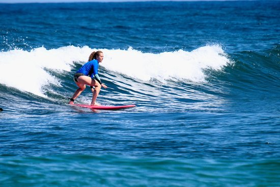 Billabong Surf Camp & School: Shannen on her wave