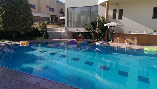 Yakinthos Hotel: Swimming pool
