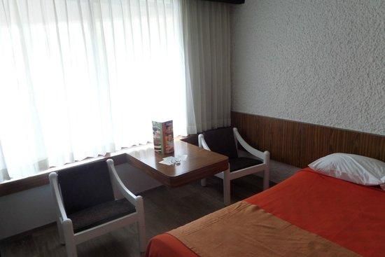 El Cid Castilla Beach Hotel: Decoración muy retro...