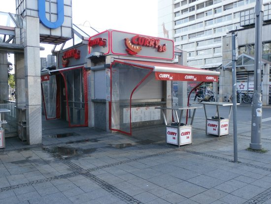 Curry 36: Curry36 kiosk at Zoologicher Garten