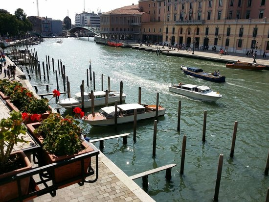 Hotel Carlton on the Grand Canal : Room View canal