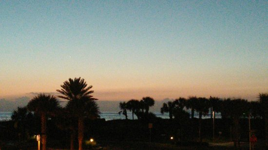 Hampton Inn & Suites St. Augustine - Vilano Beach : Beautiful sunrise!
