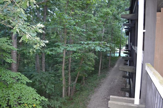 Shawnee Lodge and Conference Center: Wood-side balcony