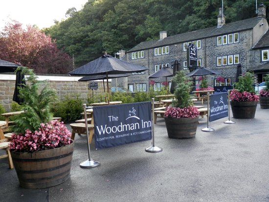 The Woodman Inn: Picture taken from car park