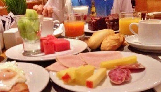 Tryp Indalo Almeria: Desayuno