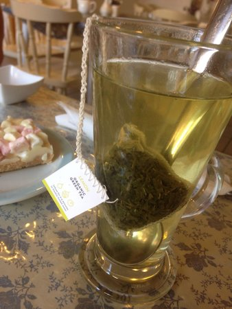 Molly's: Lovely selection of tea! Great spot.