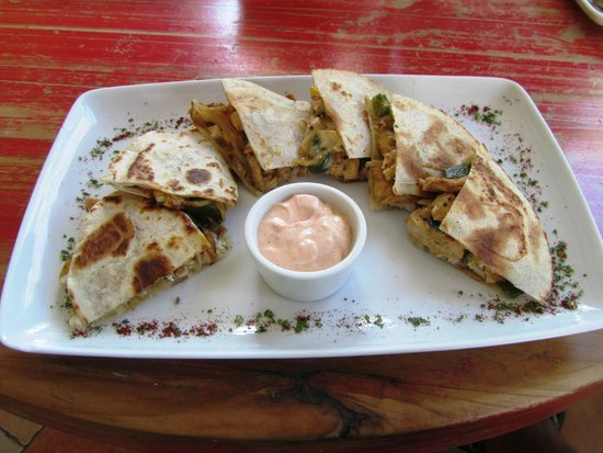 Mango Cafe: Chicken quesadilla