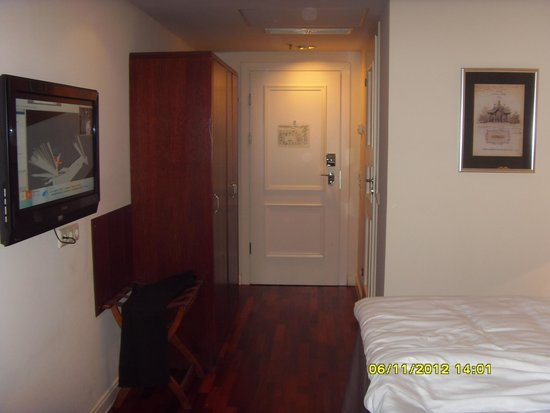 Original Sokos Hotel Olympia Garden : коридор