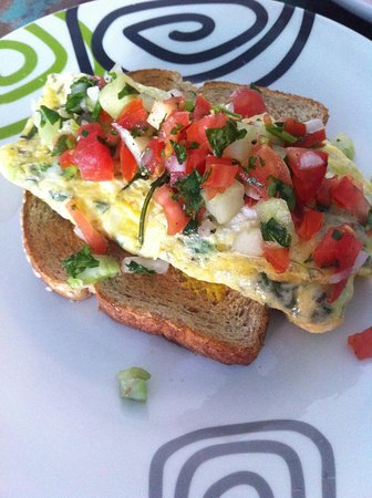 Mama's Home: Fresh omelets from Jose!