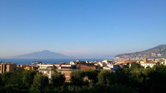 Conca Park Hotel: View on Vesuvio