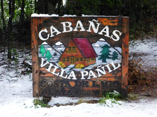 Villa Panil: Placa de Entrada