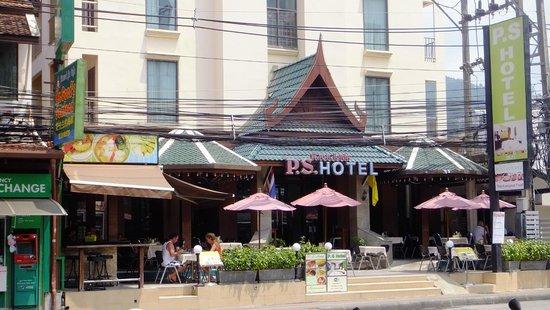 P.S. Hotel : Hotelansicht mit Restaurant