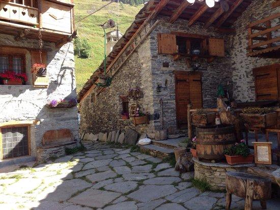L 39 esterno del ristorante foto di le montagnard for L esterno del ristorante sinonimo