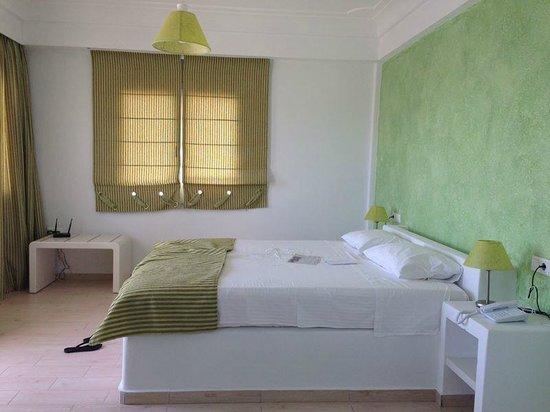 Tzekos Villas: Bed